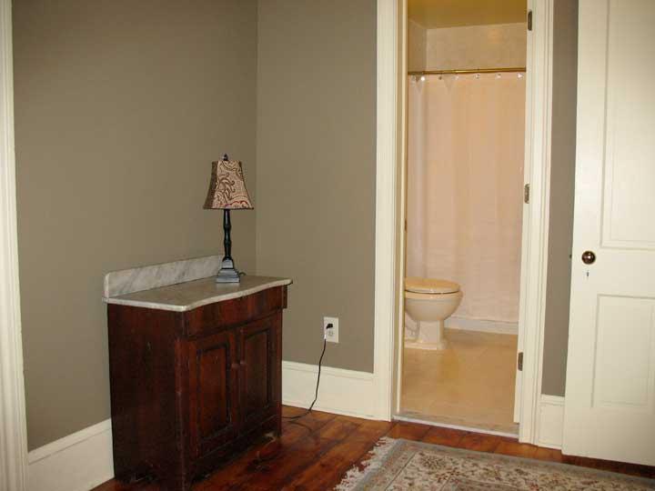 Suite 401 Bath