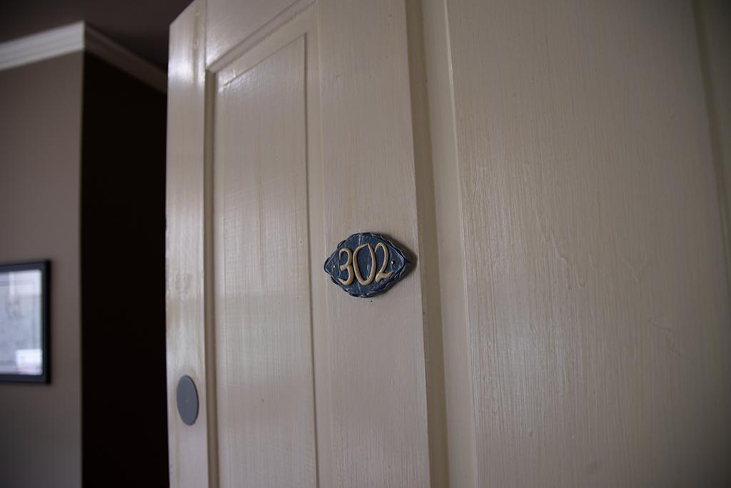 Queen Room 302