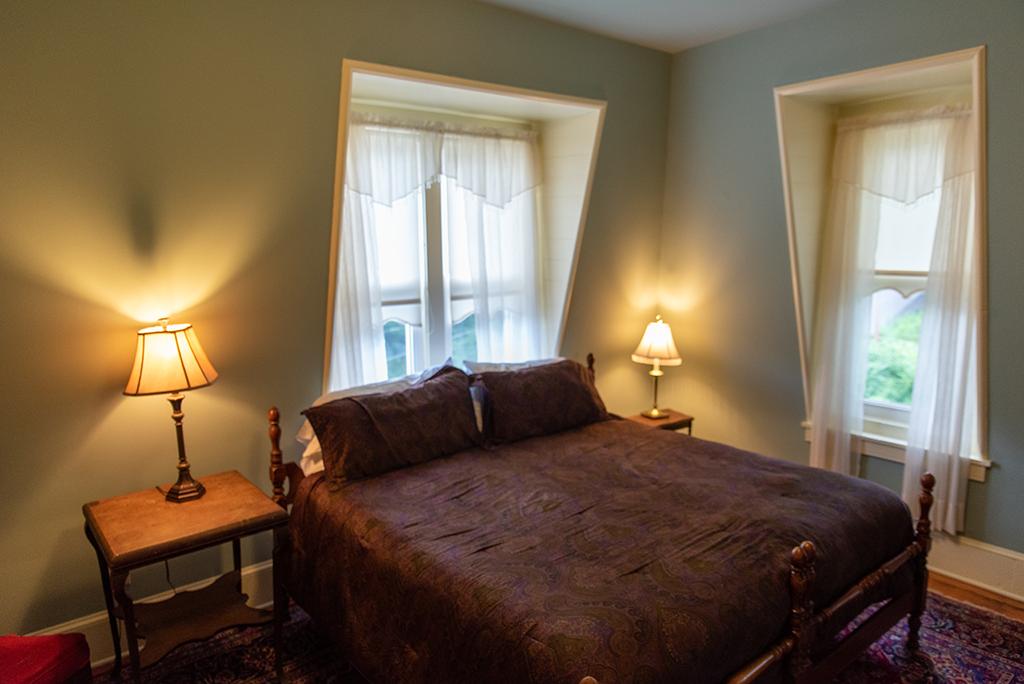 King Room 405